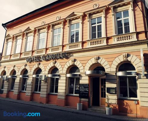 Hotel Stardust - Nové Zámky - Building