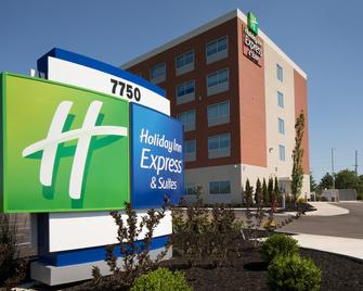 Holiday Inn Express & Suites Cincinnati North - Liberty Way - West Chester - Building