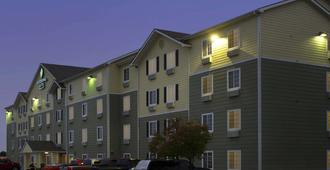Woodspring Suites Tulsa - Tulsa - Building