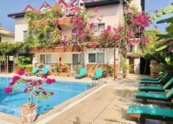 Ten Apart Hotel - Fethiye - Pool