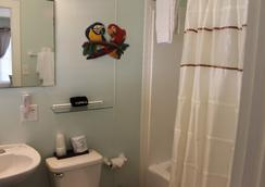 The Grand Guesthouse - Key West - Bathroom