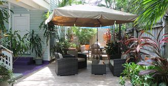 The Grand Guesthouse - Key West - Patio