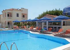 阿芙羅狄蒂套房酒店 - 薩莫斯 - 馬拉斯豪克艾蒙普斯 - 游泳池