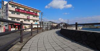 Omotenashi Hostel Miyajima - Hatsukaichi - Edificio
