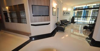 Real Plaza Flat Service - Curitiba - Lobby
