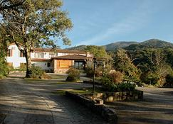 Hotel Selva Montana - San Lorenzo (Salta) - Building