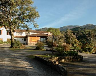 Hotel Selva Montana - San Lorenzo (Salta) - Gebäude