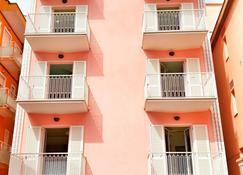 Residence Hotel B&B Rosa - Gabicce Mare - Bâtiment