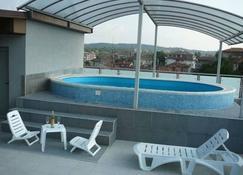 Hotel Akvaya - Veliko Tarnovo - Piscina