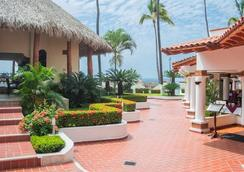 Hotel Tropicana - Puerto Vallarta - Outdoor view