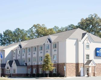 Microtel Inn & Suites by Wyndham Macon - Macon - Gebäude