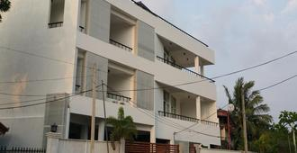 OYO 314 Neo Holiday Home - Negombo