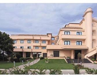 Hotel De La Ville - Benevento - Building