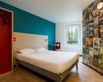 hotelF1 Cergy - Cergy - Bedroom