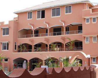 Vacani Resort - Voi - Building