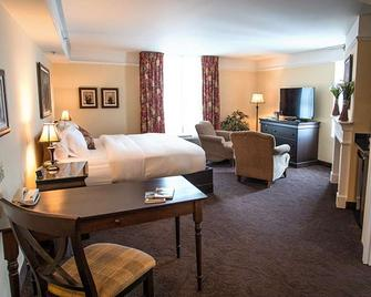 Le St-Martin Bromont Hotel & Suites - Bromont - Schlafzimmer