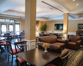 Le St-Martin Bromont Hotel & Suites - Bromont - Restaurant