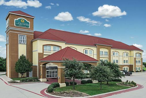 La Quinta Inn & Suites by Wyndham Stephenville - Stephenville - Gebäude