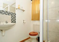 Melkboomsdrift Lodge - Vredendal - Bathroom