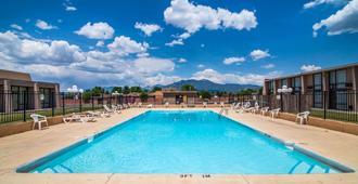 Quality Inn Taos - Taos - Pool