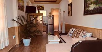Degree 29 Hostel - Dalat - Wohnzimmer