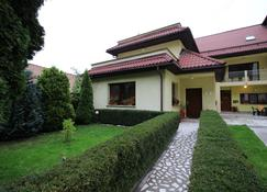 Casa Clementina - Braşov - Edificio