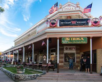Irma Hotel - Cody - Building