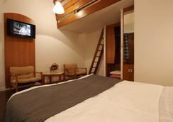 Hotel Kyriad Reims Est Parc Des Expositions - Reims - Bedroom