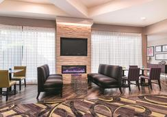 La Quinta Inn & Suites by Wyndham Atlanta Conyers - Conyers - Lobby