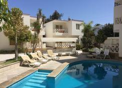 伊曼希帕德酒店 - 帕拉卡斯 - 游泳池