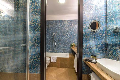 Albergo Del Senato - Rome - Bathroom