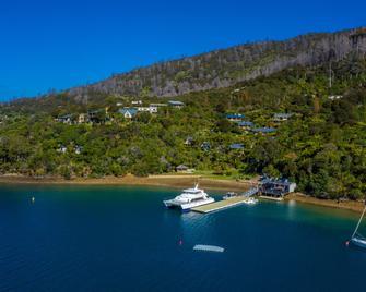 Punga Cove Resort - Picton - Outdoors view