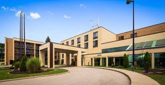 Best Western East Towne Suites - Madison