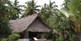 Capricorn Beach Cottages - Pangani