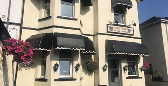 Arran Lodge - Torquay - Building