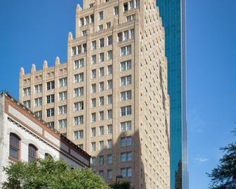 Courtyard by Marriott Fort Worth Downtown/Blackstone - Fort Worth - Building