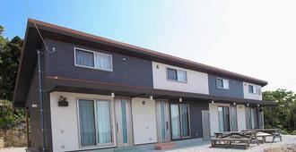 Guesthouse Sunset Hill Bise - Hostel - Motobu - Gebäude
