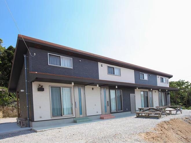 Guesthouse Sunset Hill Bise - Hostel - Motobu - Κτίριο