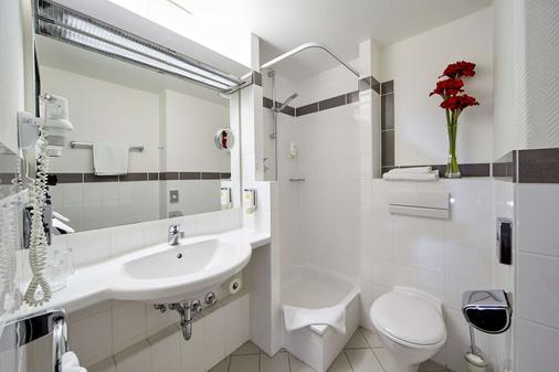 Balance Hotel Leipzig Alte Messe - Leipzig - Bathroom