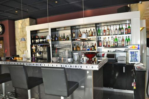 法蘭克福薩沃伊飯店 - 法蘭克福 - 酒吧