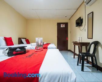 RedDoorz @ Downtown Bacolod - Bacolod - Bedroom