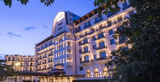 Hôtel Royal - Évian-les-Bains - Building