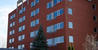Hôtel Le Dauphin Montréal - Longueuil - Лонгёй