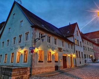 Hotel Schwarzer Adler - Ротенбург-об-дер-Таубер - Здание