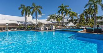Shangri-La Hotel, The Marina - Cairns - Pool