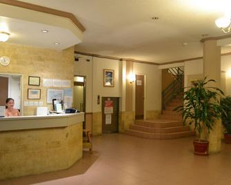 West Plaza Hotel Malakal - Koror Town - Recepción