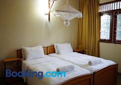 Sunshine Tourist Rest - Anuradhapura - Bedroom