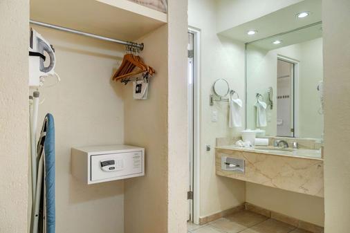Comfort Inn Tampico - Tampico - Baño
