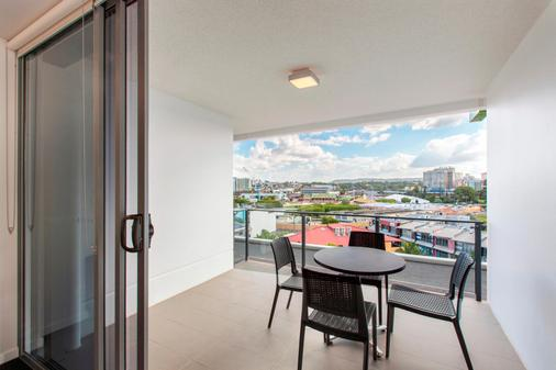 Code Apartments - Brisbane - Ban công