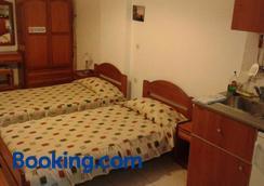 Evon's Rooms - Fanari - Bedroom